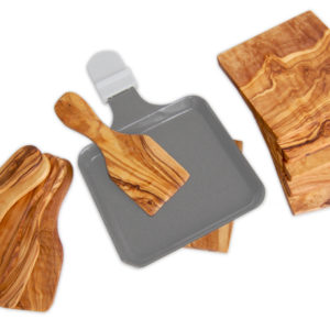 raclette-set-aus-olivenholz